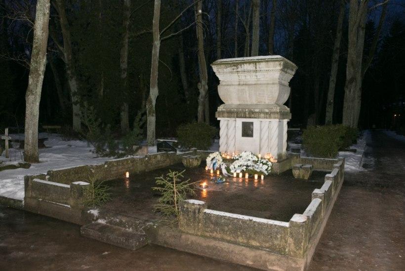 FOTOD: Tartlased mälestasid Kuperjanovit