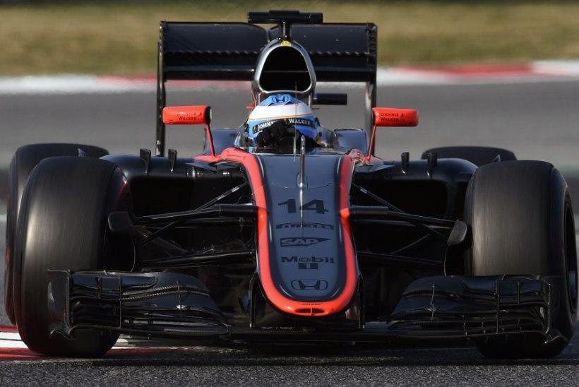 GALERII: Räikkönen pidi Barcelona teisel testipäeval tunnistama Ricciardo ülinappi paremust