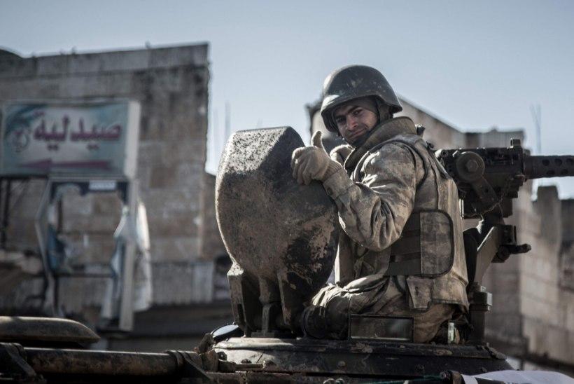 Türgi soomukid tungisid Süüriasse