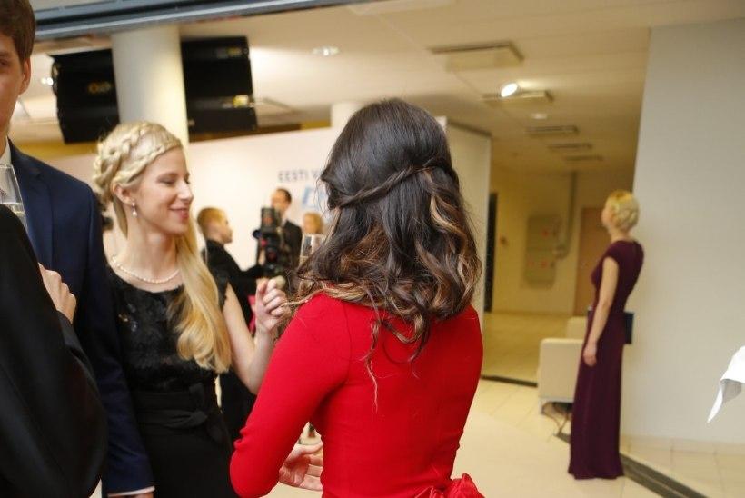 PILTUUDIS: Iiris Vesiku punast kleiti nägime ka kaks aastat tagasi!