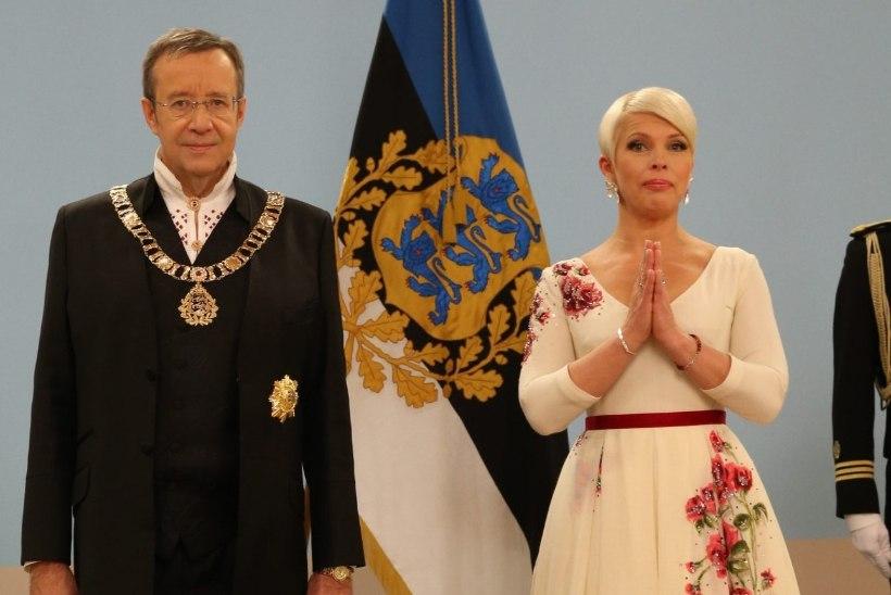 FOTOD: muidu lähestikku seisev presidendipaar hoidis eile silmanähtavalt distantsi