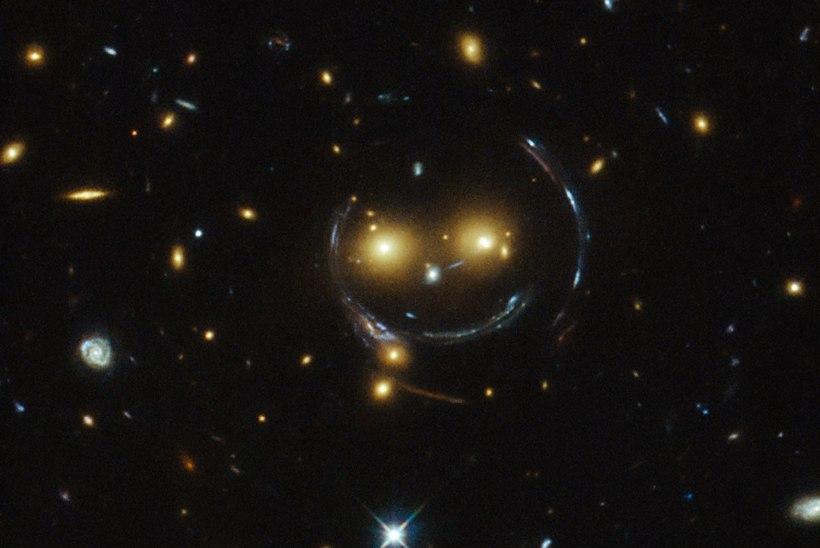 PILTUUDIS: Hubble´i kosmoseteleskoop pildistas taevast naeratust