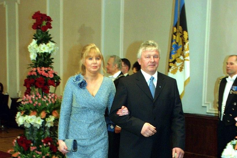PRESIDENDIBALLI GALERII | Kätlemine ja kleidid aastal 2005
