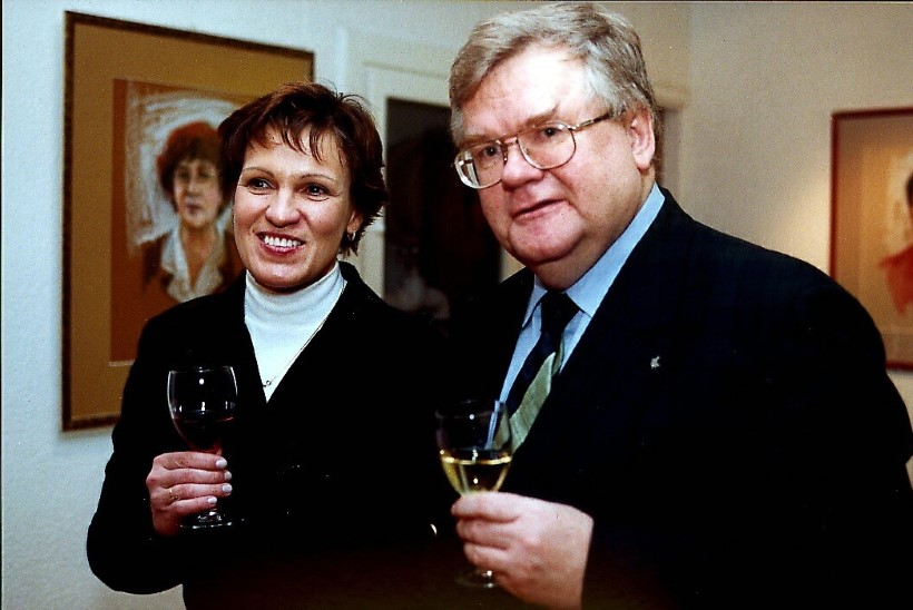 Siiri Oviir: Vilja Savisaar-Toomast on kahepalgeline! Mina ega Liina Tõnisson teda abielluma ei sundinud
