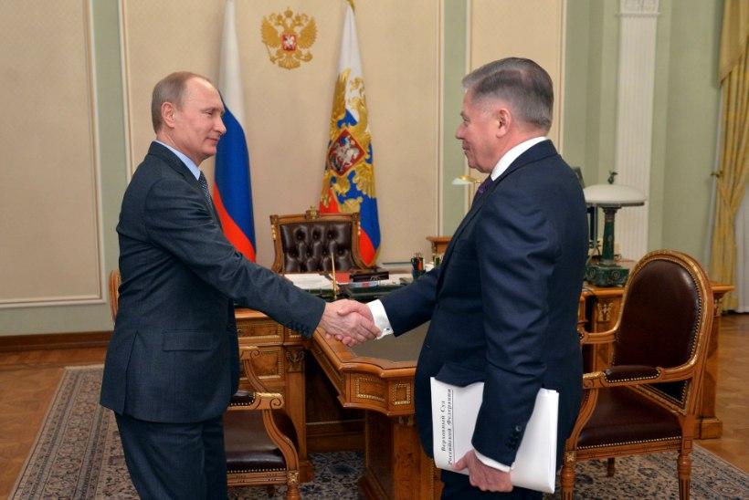 BLICK: Putin käis Šveitsis beebimissioonil