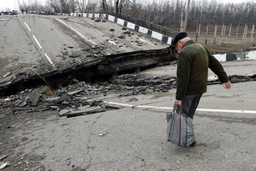 Eesti abi jõuab Ida-Ukrainasse pronksiöö aktivisti ja Putini soositud motogängi kaasabil