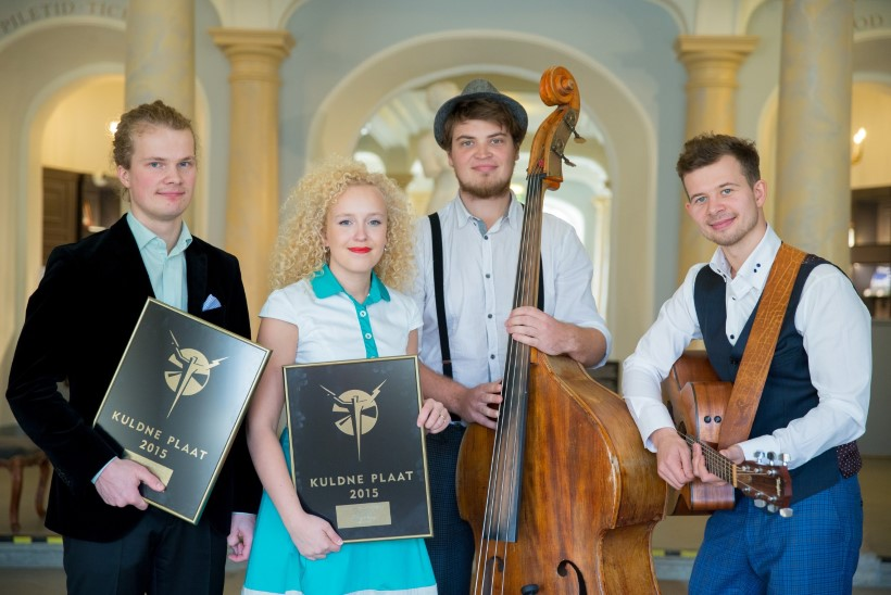 ÕHTULEHE VIDEO JA GALERII: Kuldne Plaat 2015 auhinnagalal võidutses Curly Strings