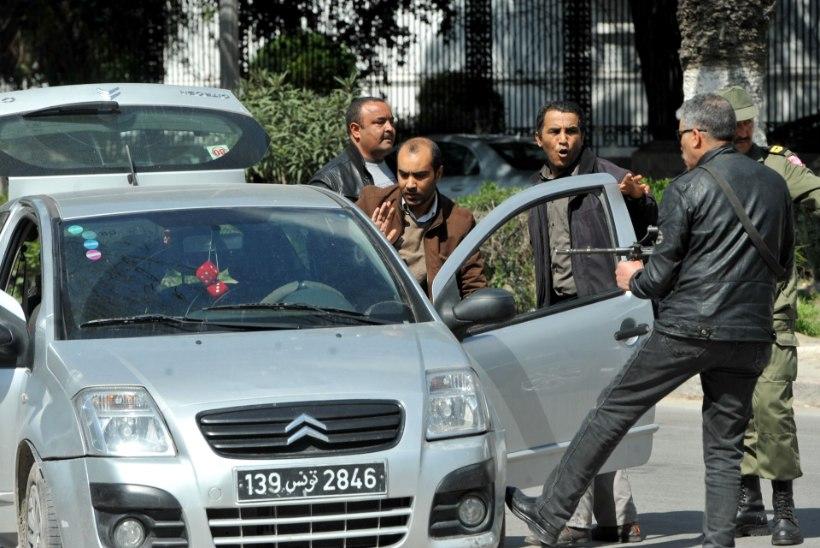 Tuneesia muuseumitulistamises hukkus vähemalt 11 inimest