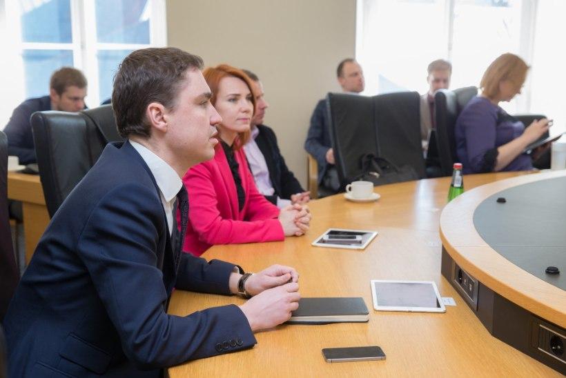 Koalitsioonikõnelustel arutati välispoliitika, transpordi, tervishoiu ja eestluse teemadel
