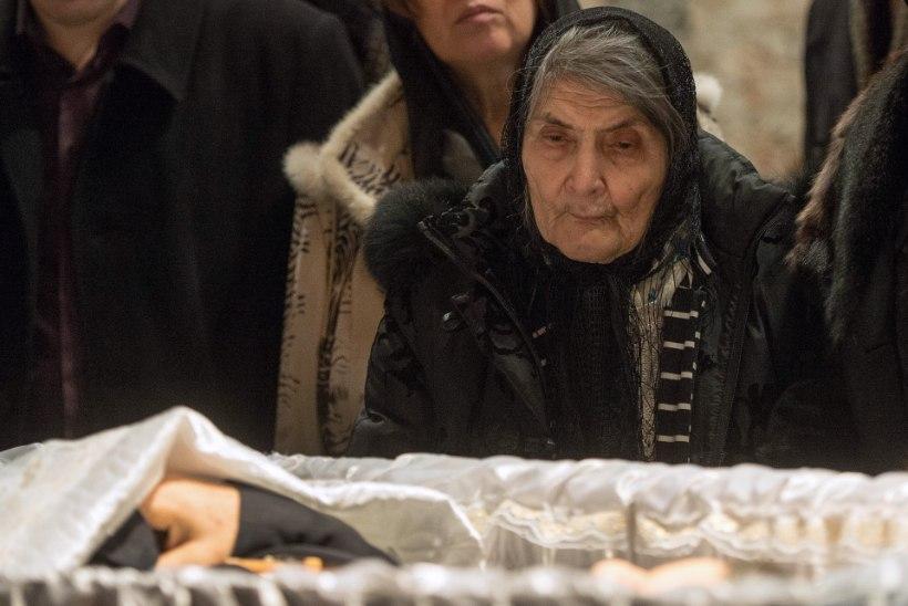Boriss Nemtsov maeti ema sünnipäeval