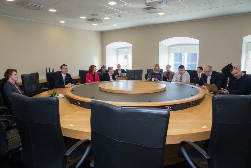 Riigikogu esimehe koha saab SDE, esimese aseesimehe oma IRL