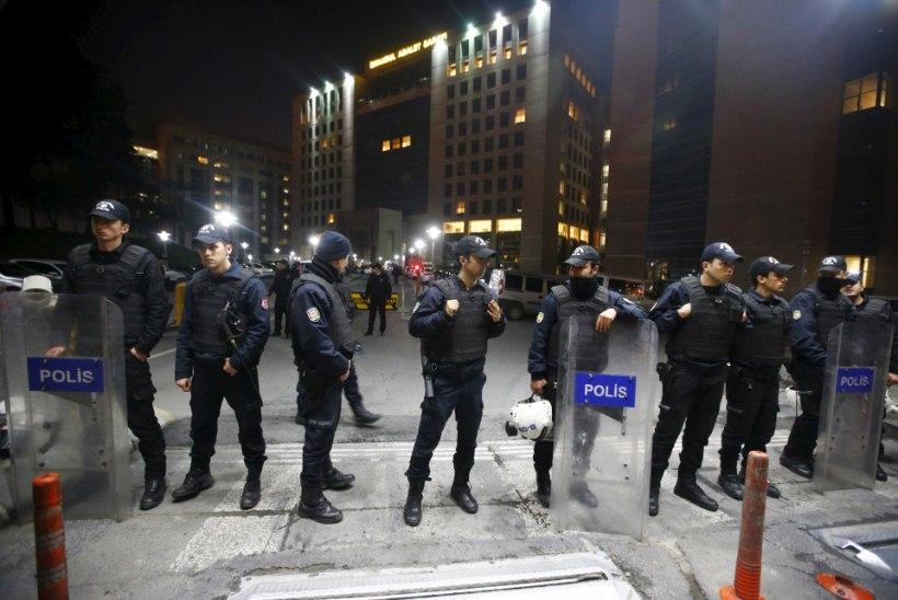GALERII: Istanbuli pantvangidraama seni veel lahenduseta