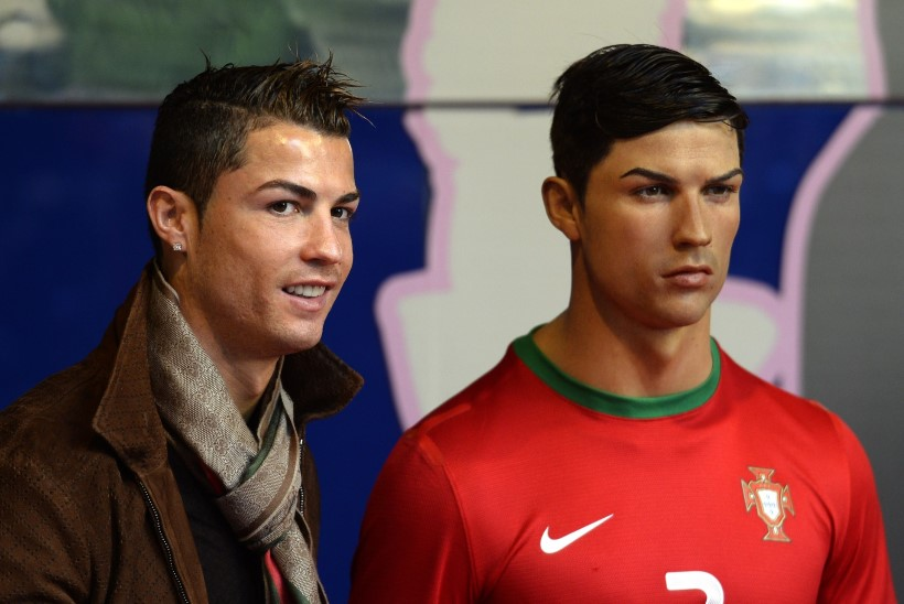 Ronaldo isiklik stilist käib vutiässa vahakujul iga kuu juukseid kammimas!