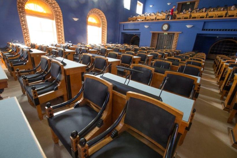Verevahetus parlamendis: arvutid ja kabinetid saavad uue omaniku