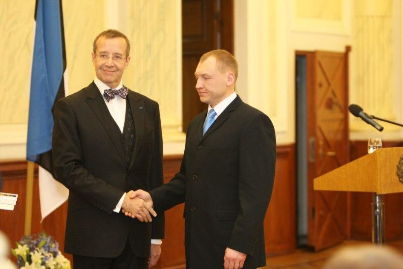 Konsul kohtus täna Eston Kohveriga