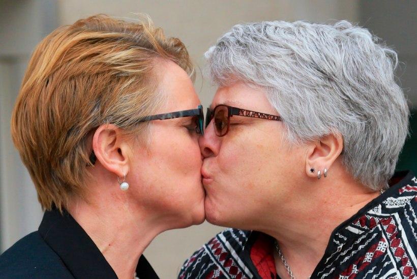 Sloveenia samasoolistele paaridele tagati õigus abielluda, adopteerida