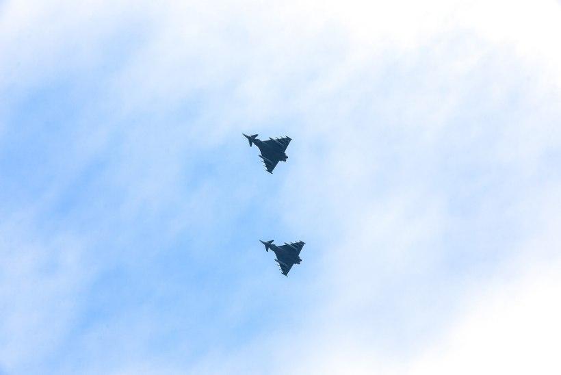 GALERII: NATO hävitajad Haapsalu kohal