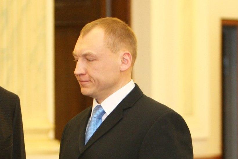 Eesti Moskva saatkonna konsul kohtus Eston Kohveriga