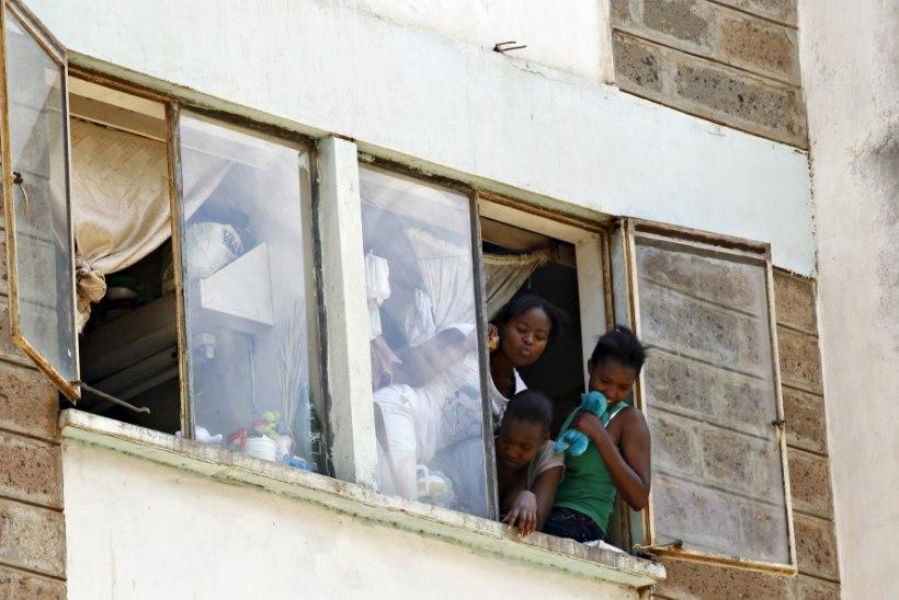 Keenias hukkus plahvatusest põhjustatud segaduses tudeng, sada tudengit sai vigastada