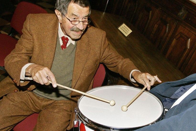 Suri Nobeli kirjanduspreemia laureaat Günter Grass