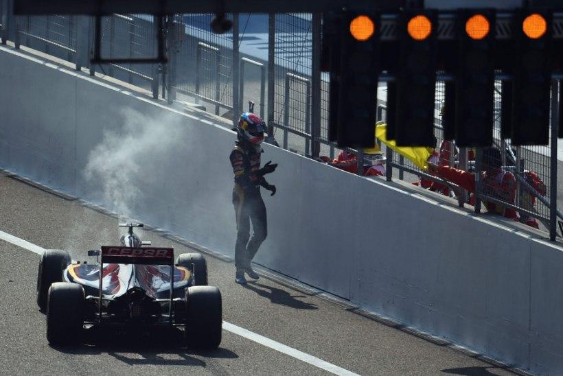 Vormel 1 Hiina GP: Max Verstappen pole vormelibeebi