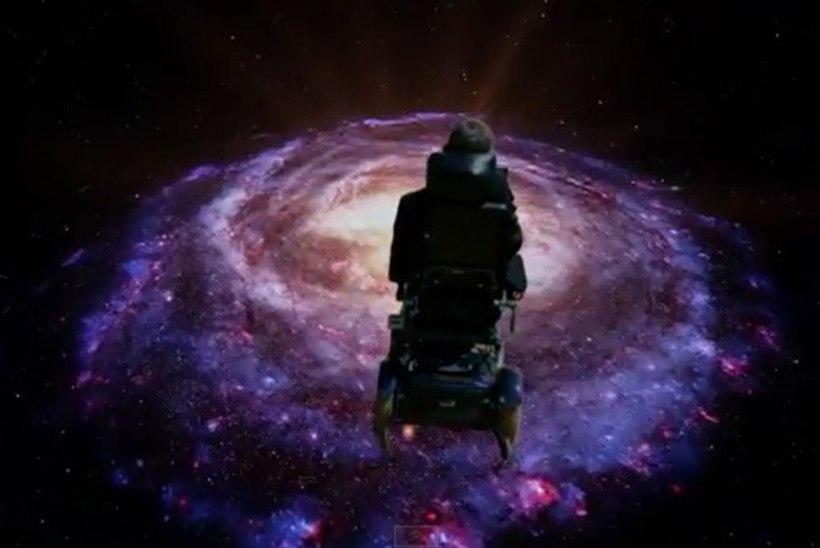 VIDEO: Stephen Hawking kaverdas Monty Pythoni galaktikalaulu