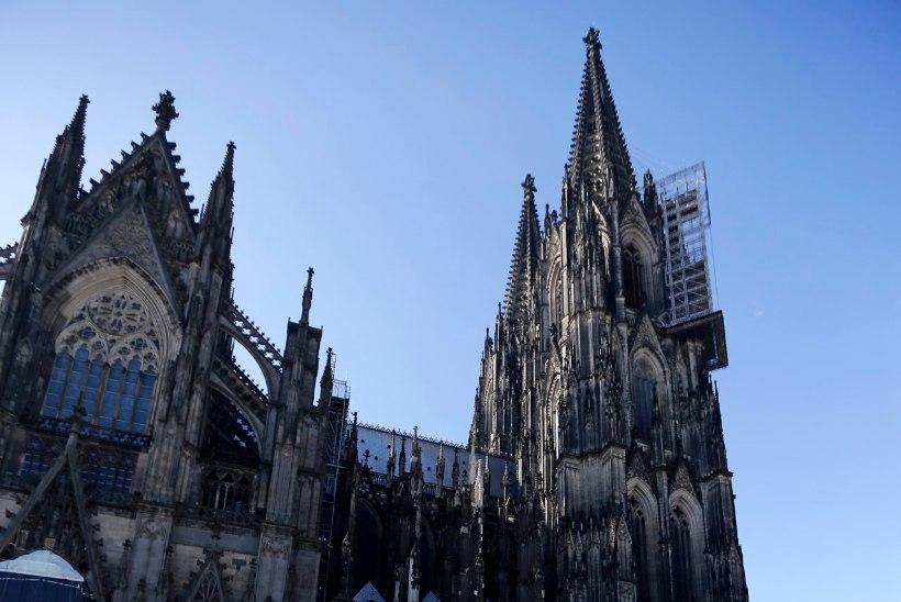 FOTOD: Kölnis peeti Germanwingsi ohvrite mälestusteenistust