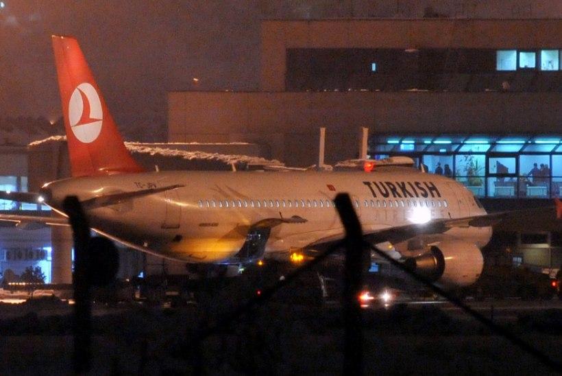 Türgi lennufirma juht: vallalised lendurid peaksid abielluma, et Germanwingsi katastroofi kordumist ära hoida