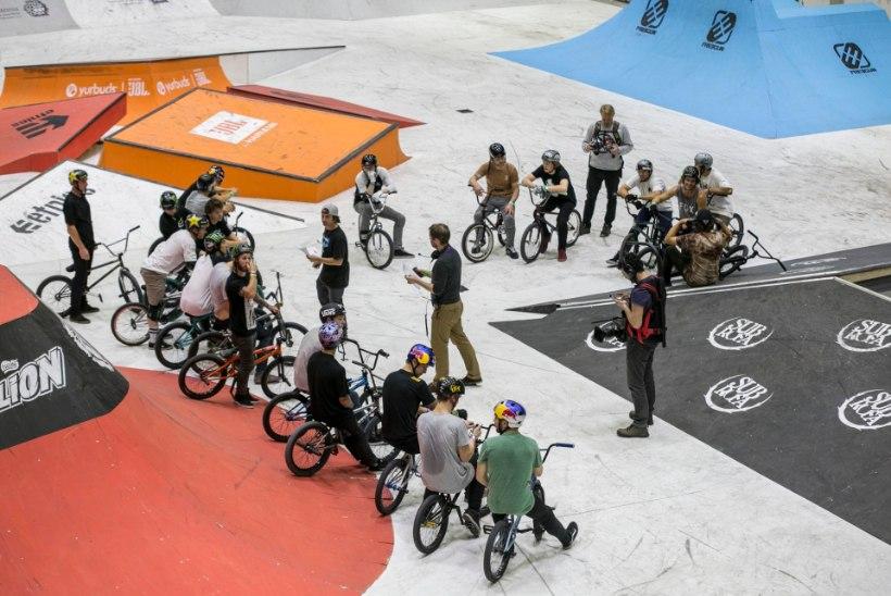GALERII: Simple Sessionil näitasid rulasõitjad ja trikiratturid maailmatasemel kaelamurdvaid trikke