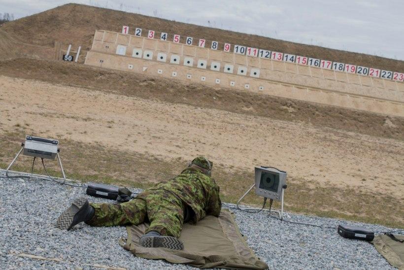 FOTOD: veteranid võtavad mõõtu laskmises