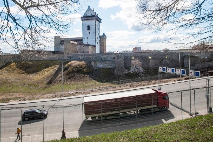 Narva kindluse müürid on möödujaile ohtlikud