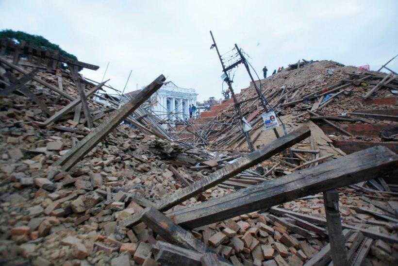 Nepalis ootab kojulendu Eesti turismirühm, üks eestlasest matkaja jäi mudalaviini alla