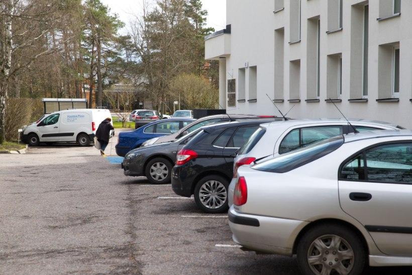 Ametiautosid omavad riigiasutused maksavad kinni ametnike isikliku autoga tehtud sõidud