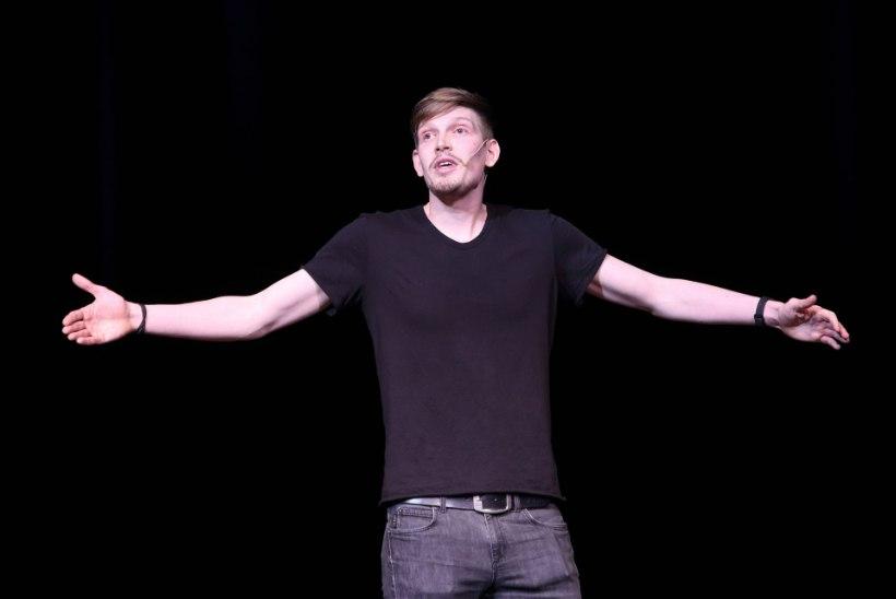 ÕHTULEHE VIDEO   Henrik Kalmet komöödiagalal: nalja tehes ei tohi mõelda nalja tegemisele