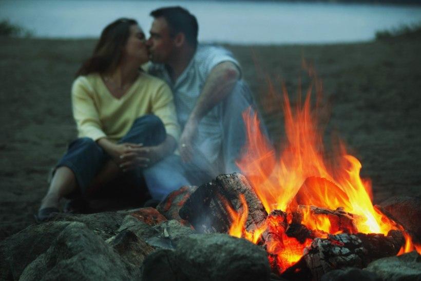 Meesnõiad: volbriööl pidutsege tule ääres ja võite leida armastuse