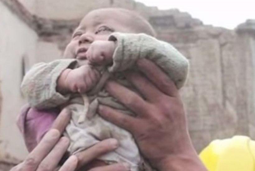 IME KATHMANDUS: päästeti 22 tundi rusude all olnud beebi