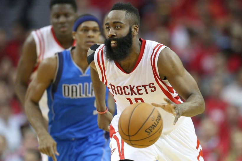 Houston Rockets vallandas Twitteris vastasmeeskonda püstoliga sihtinud töötaja