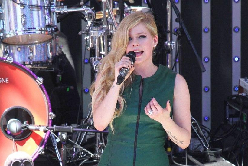 "Borrelioos aheldas Avril Lavigne'i kuudeks voodisse:""Arvasin, et suren!"""