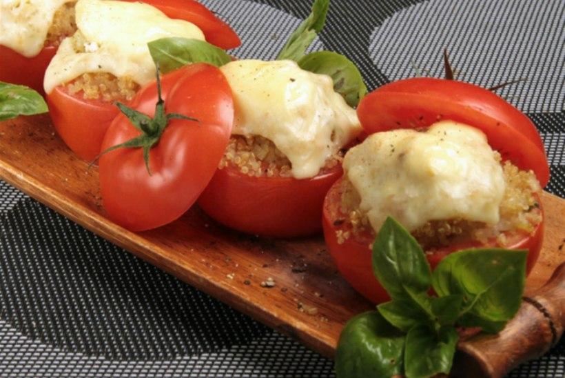 Kinoaga täidetud tomatid