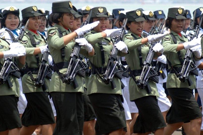 Indoneesias võetakse sõjaväkke ainult süütuid naisi