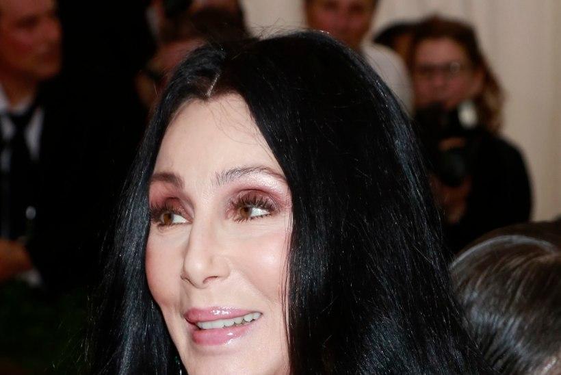 Cher: ma pole suremas!