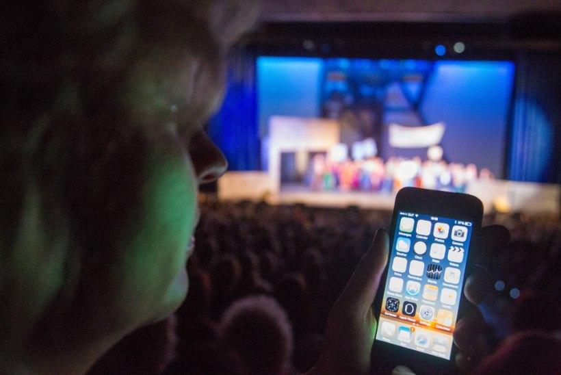 """Anne Veesaar: """"Olin marus! Me püüame laval poolteist tundi pinget hoida ning siis tuleb mobiiltelefoni pärast etendus lihtsalt seisma jätta."""""""