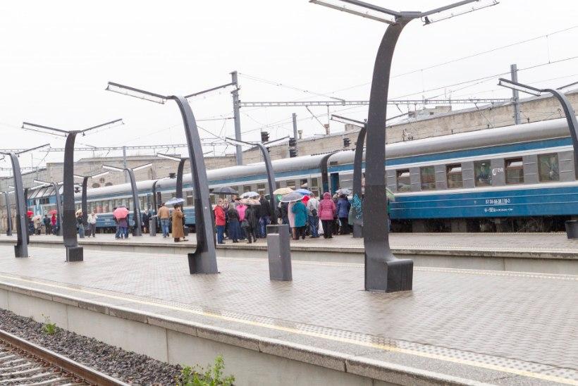 GALERII | Tallinnast väljus viimane reisirong Moskvasse