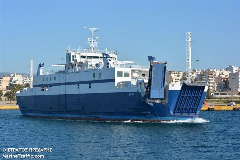 Leedo toob Väinamerele skandaalse laeva Kreekast!