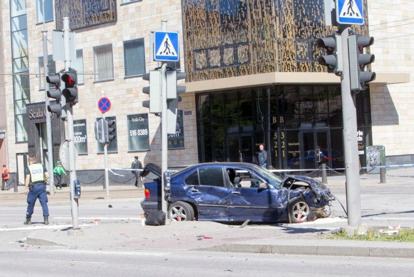 Prokurör: suurõnnetuses osalenud BMW-juhi seisund on selgitamisel, kuid joobest rääkida ei saa