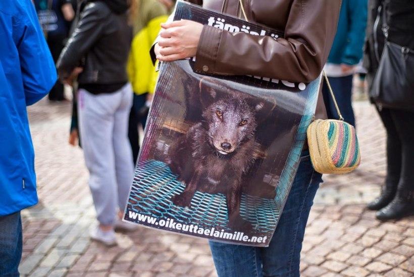 FOTOD | Helsingis nõudis üle 1000 meeleavaldaja karusloomafarmide keelustamist
