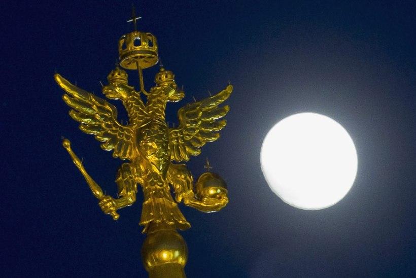Venemaa valmistub Kuule saatma nelja kosmoseaparaati