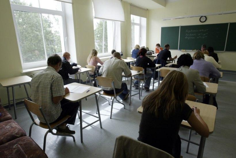Küsimus | Miks õpilastele ei öelda, mis aines tasemetööd tulevad?