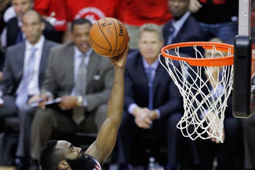 Curry peapõrutus, Hardeni 45 punkti ja ulmevise ehk NBA metsik mäng