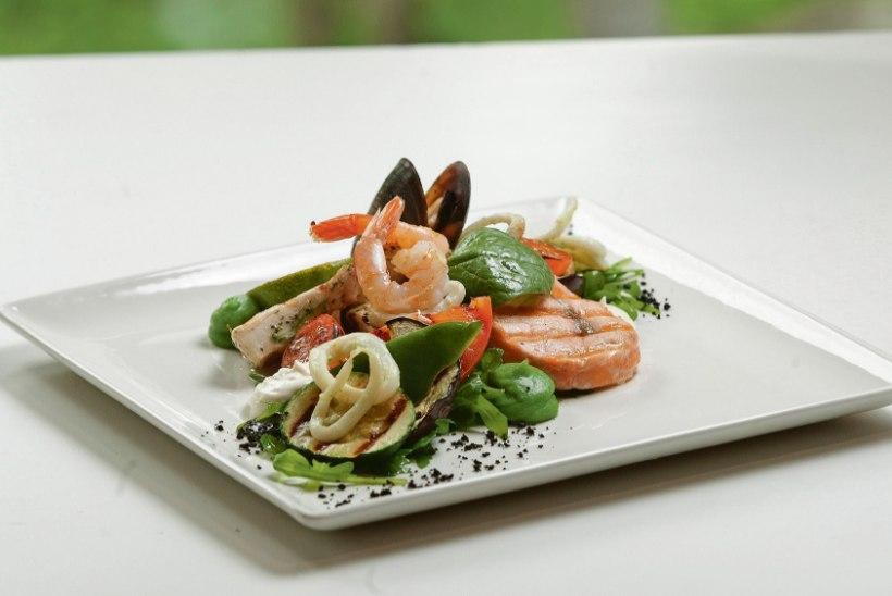 Grillihooaeg on alanud: ürdikastmed sobivad nii liha kui salatite juurde